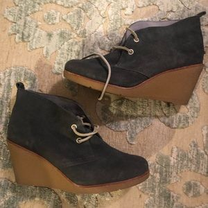 Sperry Suede Wedge Booties Size 8.5 Slate Grey